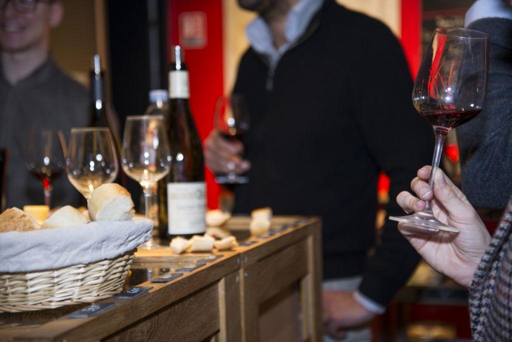 le vin qui parle caviste evenement paris